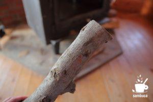リンゴの木の薪