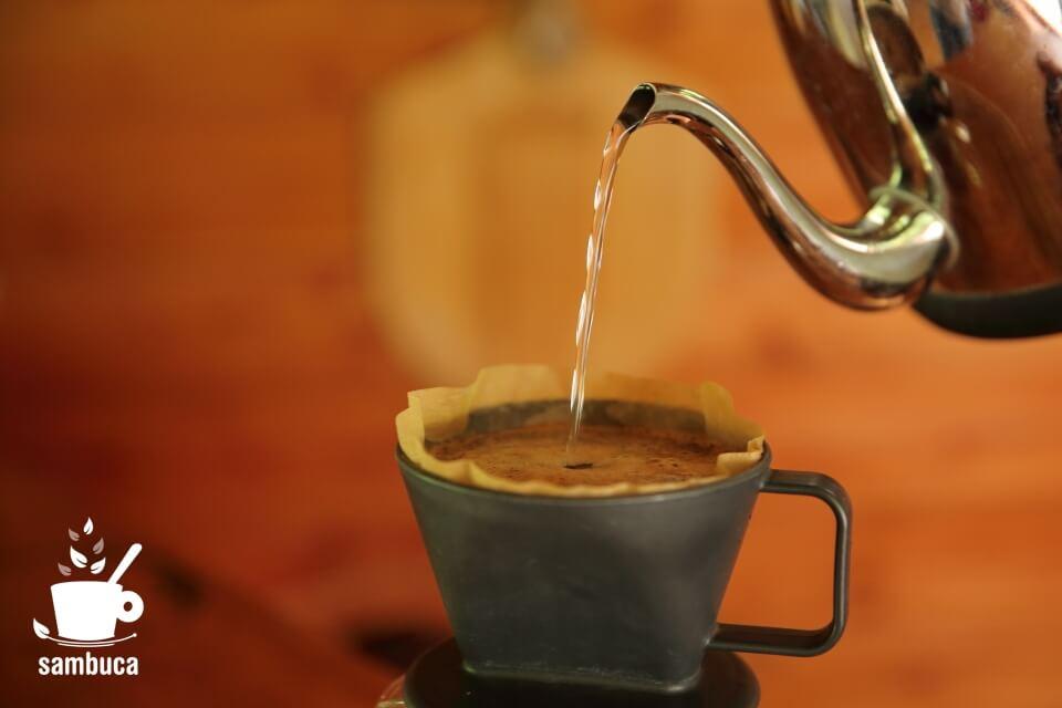 コーヒーを淹れる至福の時間