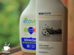ecostore(エコストア)、後ろはecover(エコベール)