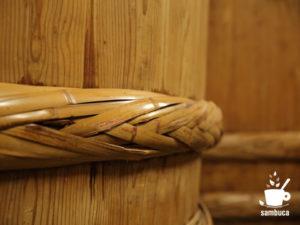 石井味噌の杉桶