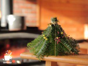 ウラジロモミで作ったクリスマス・スワッグ