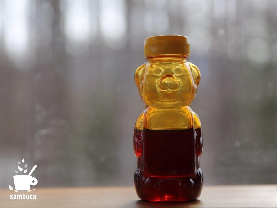 クマさん容器のハチミツ
