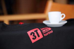3TのTシャツとエスプレッソカップ
