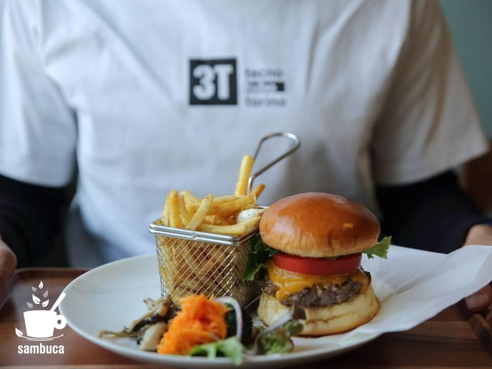 cafe CREEK(カフェ クリーク)のハンバーガー