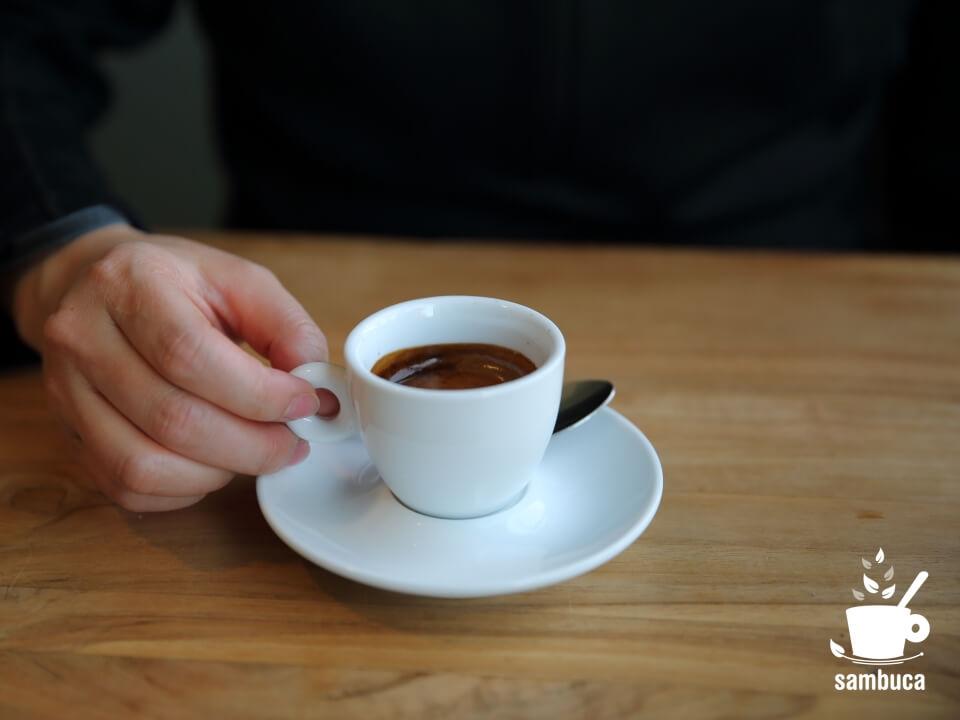 cafe CREEK(カフェ クリーク)でエスプレッソを