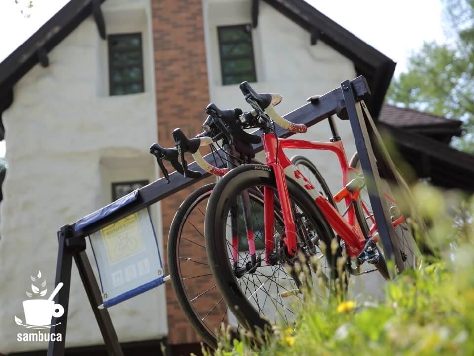 美麻珈琲のバイクラック
