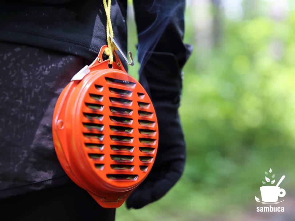 携帯防虫器から煙が