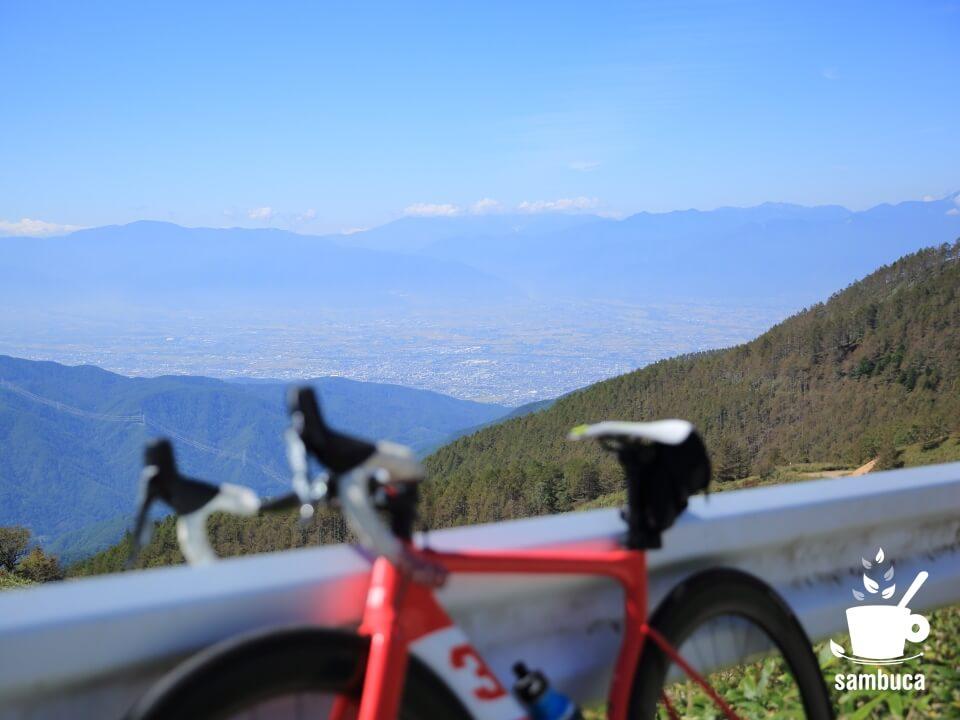 松本平の向こうは北アルプスの山々