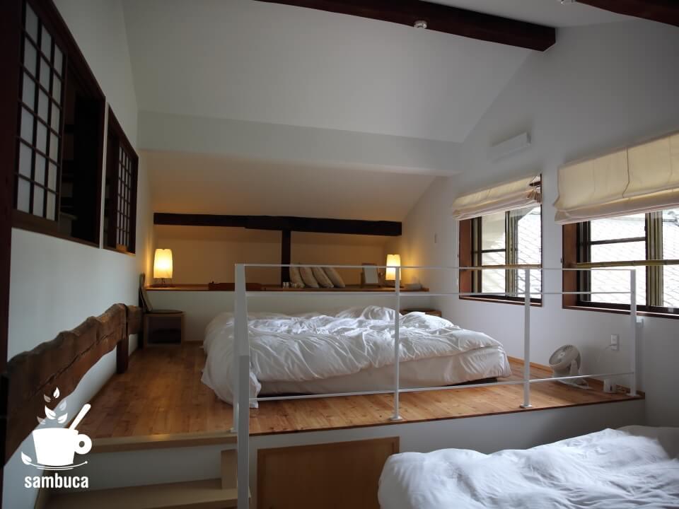 Satoyama villa DENの2階の寝室