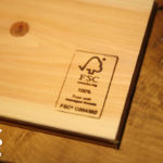 FSCマークがついた木材サンプル(マルホンのショールームにて)