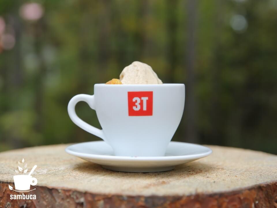 栗のジェラート(3Tのコーヒーカップ)