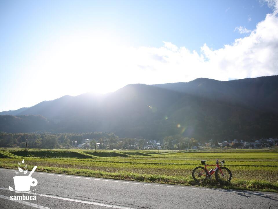 白馬の田園風景と3Tのロードバイク