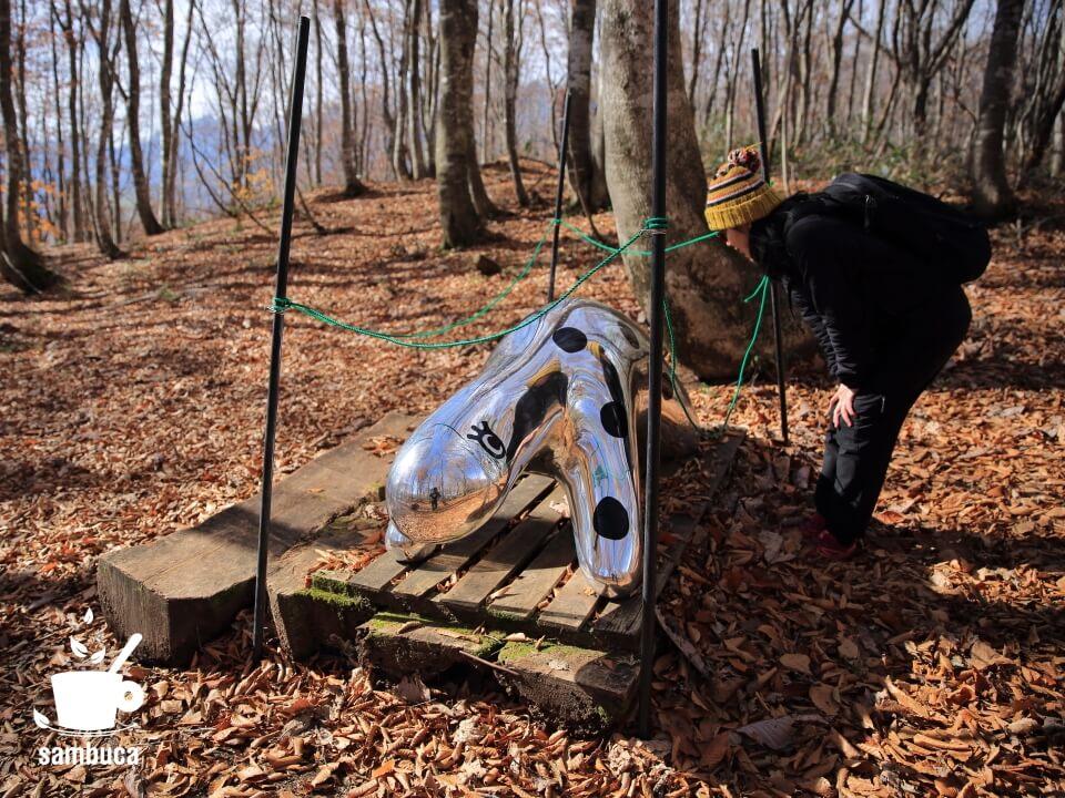 「ブナの森パーク」にはアート作品が