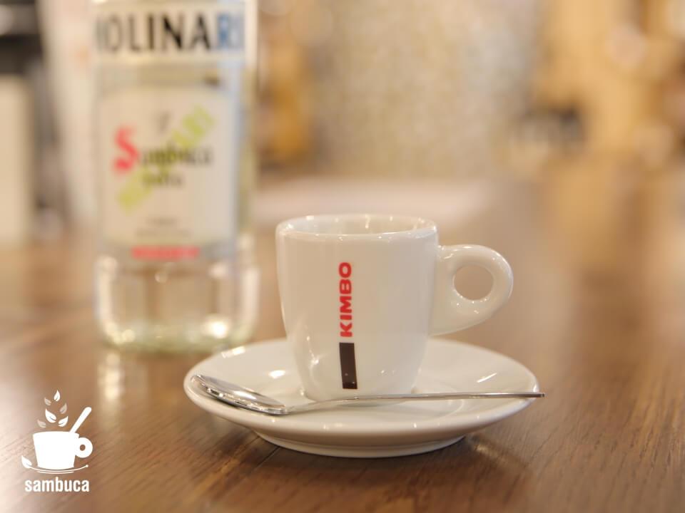 カフェ・コレット(カフェ・サンブーカ)