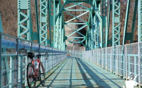 チェレステカラーの橋