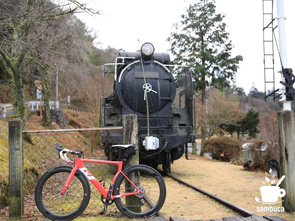 SL公園のD51と3Tのロードバイク