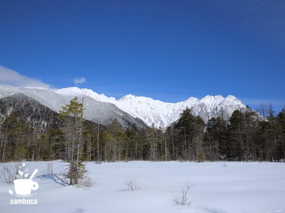 田代湿原から穂高連峰を望む