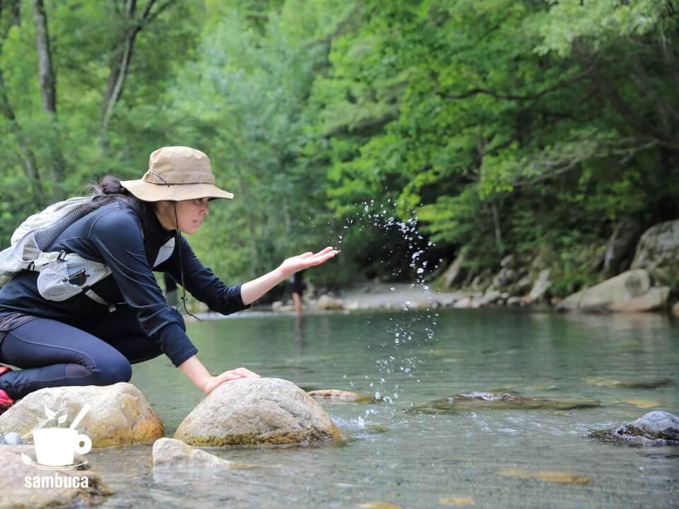 烏川渓谷緑地は安曇野のアクセスしやすい川遊びスポットです