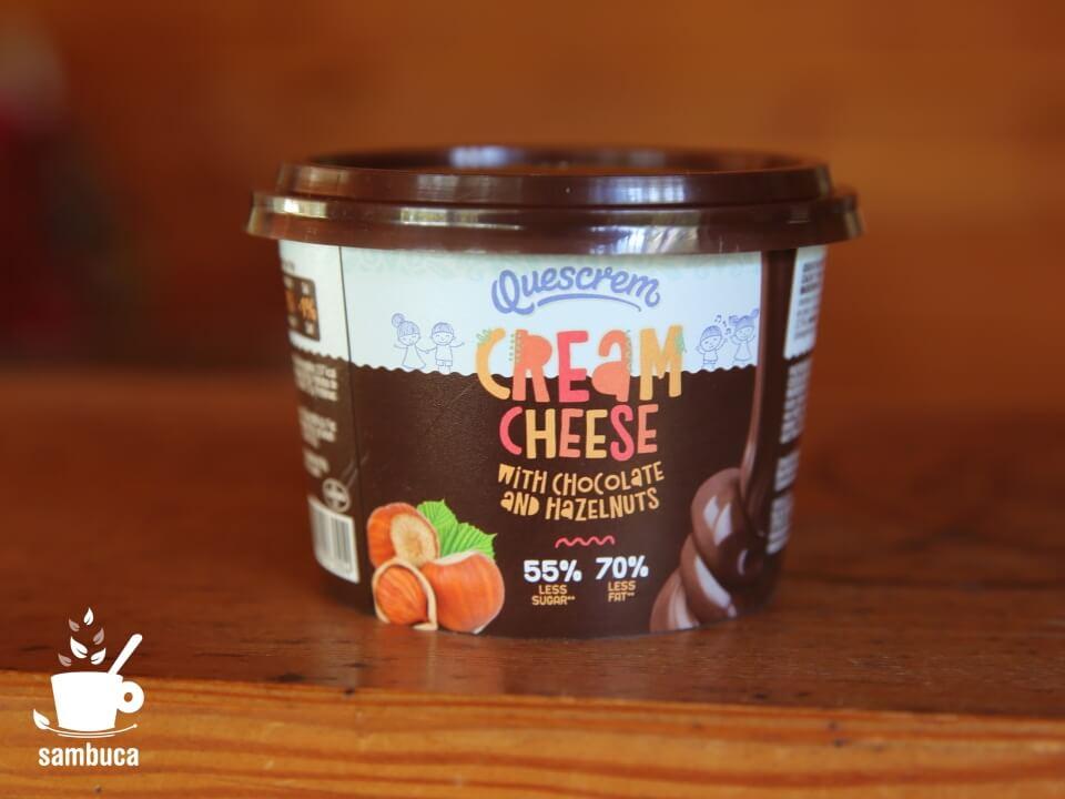 QUESCREM(ケスクレーム)チョコレート&ヘーゼルナッツクリームチーズ