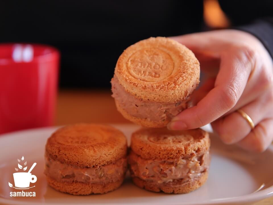 トロウマッド・パレのクッキーサンドアイス